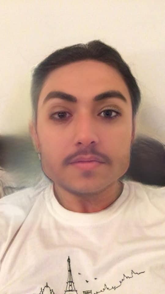 Chàng trai đánh lừa cả thế giới khi chụp ảnh bằng hiệu ứng của Snapchat, nhận được 1,650 lượt thích và hàng trăm lượt ghép đôi trên Tinder