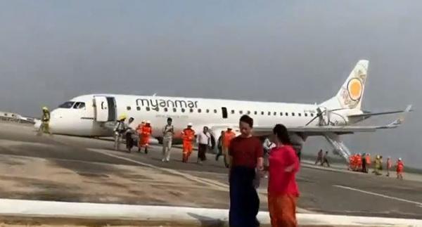Cơ trưởng thành công hạ cánh máy bay trong tình trạng... không có bánh trước