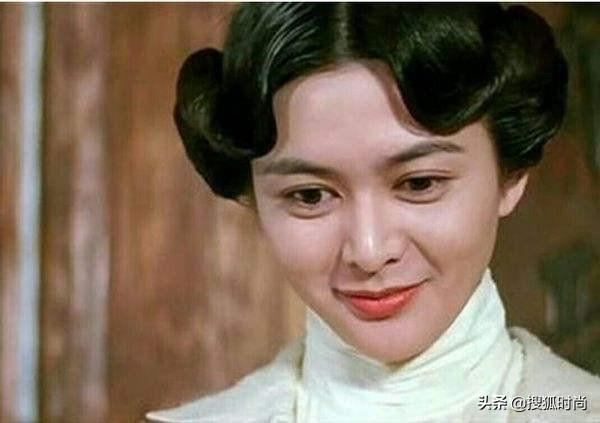 Hết hồn với số đo của loạt sao Hoa ngữ: La Vân Hi eo kiến 61 cm, Vương Tử Văn chân tí hon số 33