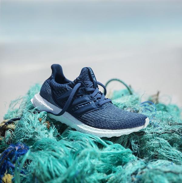 Adidas tuyên bố đang sản xuất 11 triệu đôi giày có chất liệu được tái chế từ rác nhựa