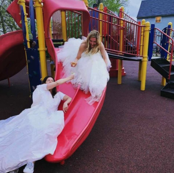 two-girls-wear-wedding-dresses-out-after-divorce1
