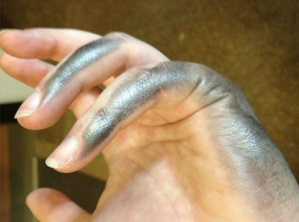 Nghìn lẻ một nỗi khổ không biết tỏ cùng ai của những người thuận tay trái