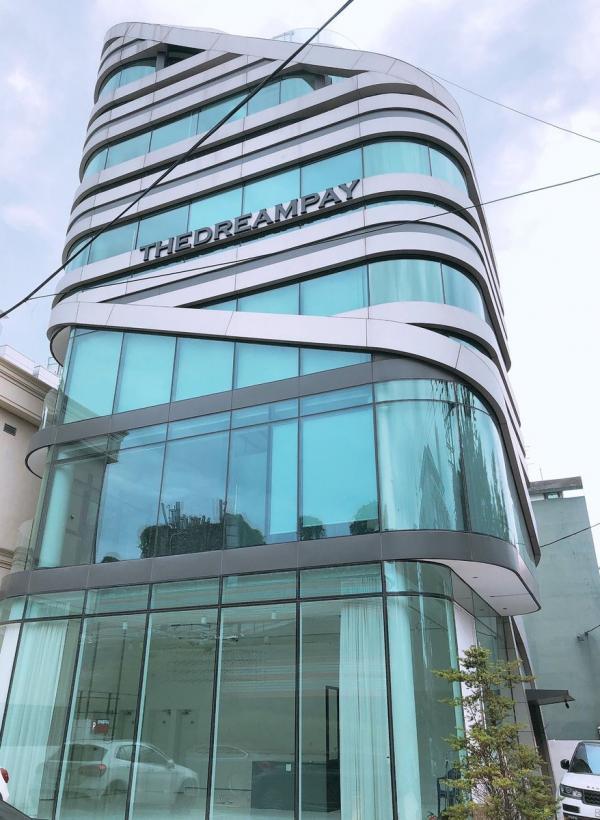 Không chỉ thành lập công ty riêng, Kang Daniel còn là CEO của cả một tập đoàn giải trí!