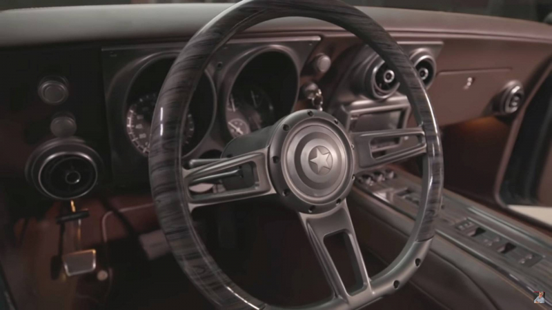 'Đại gia' Robert Downey Jr. từng tặng Chris Evans xe hơi phong cách Avengers trị giá 275.000 USD