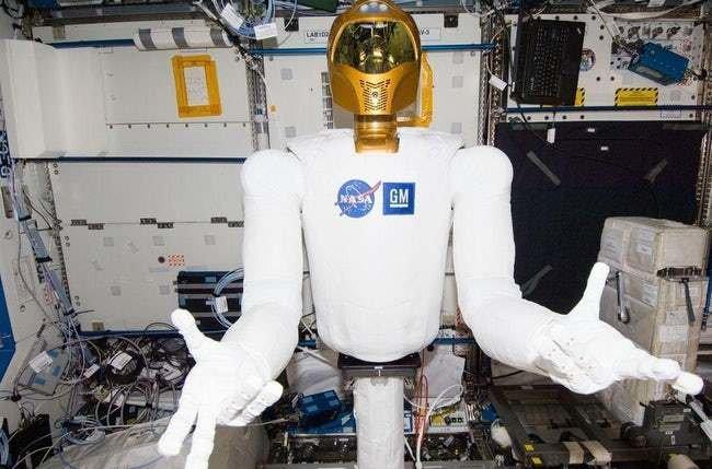 Quá rảnh rỗi, các phi hành gia đã thực hiện 10 thí nghiệm kỳ lạ này trong vũ trụ (P1)