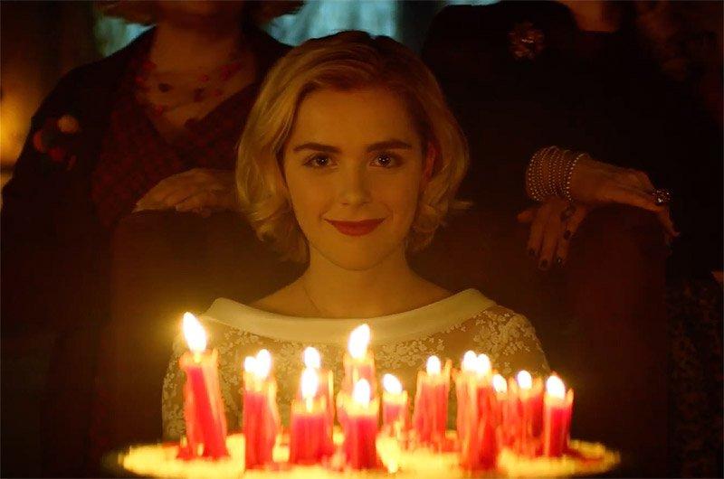 'Cô phù thuỷ nhỏ' Sabrina trở lại và... kinh hãi hơn xưa rất nhiều lần