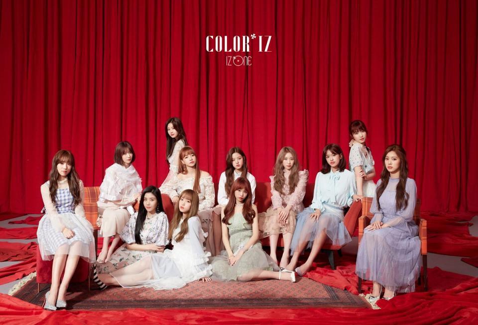 Mặc bao điều tiếng, mini-album đầu tay của IZ*ONE sánh ngang thành tích với SNSD, TWICE và Blackpink
