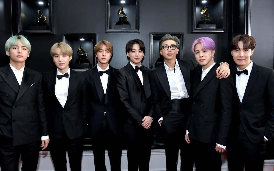 Soi trình tiếng Anh của BTS tại Grammy 2019: RM vẫn 'bắn' như gió, Jungkook gây bão Twitter