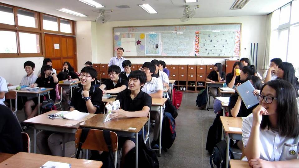 50 trường cấp 3 Hàn Quốc có học phí đắt đỏ: 'Lò luyện thi vào IVY League' đứng đầu với 525 triệu VNĐ/năm