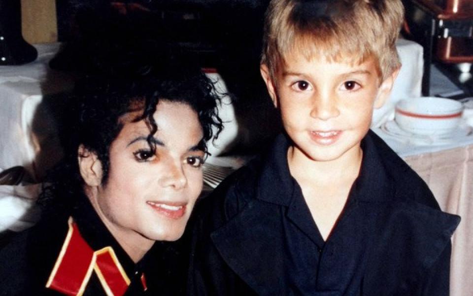 Đài HBO ngưng phát sóng nhạc Michael Jackson, ra mắt phim tài liệu 'Leaving Neverland' vạch trần tội ấu dâm của cố danh ca