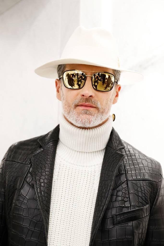 Billionaire Couture - Hãng thời trang thượng lưu dành cho các 'daddy'