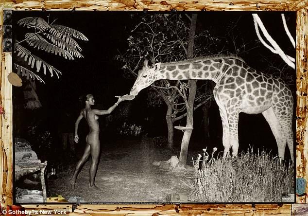 Bộ sưu tập ảnh nude của các siêu mẫu một thời nay được định giá cực cao