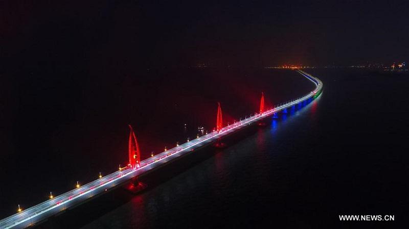 Thép của một cây cầu mà đủ để dựng 60 tháp Eiffel, bạn tin không?
