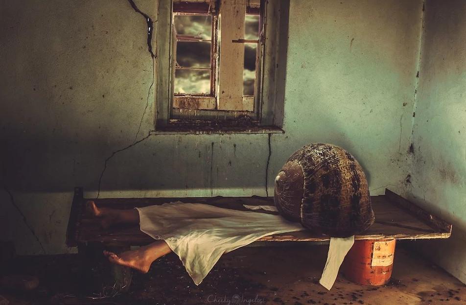 Thông điệp về căn bệnh trầm cảm ẩn giấu sau bộ ảnh kì quặc của nhiếp ảnh gia Nam Phi