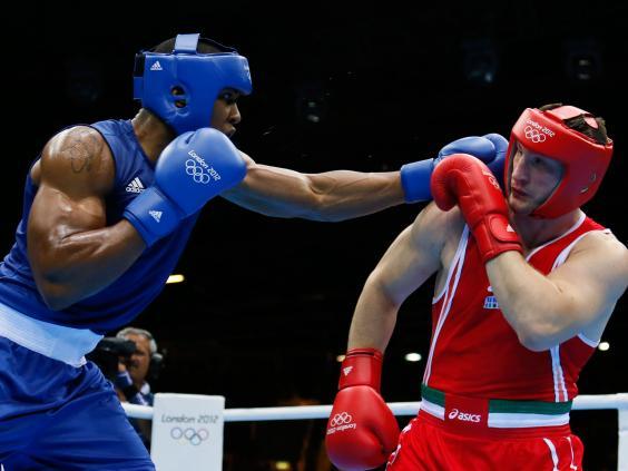 Võ sĩ quyền anh Anthony Joshua: Quá khứ vào tù ra tội đến huy chương vàng Olympic