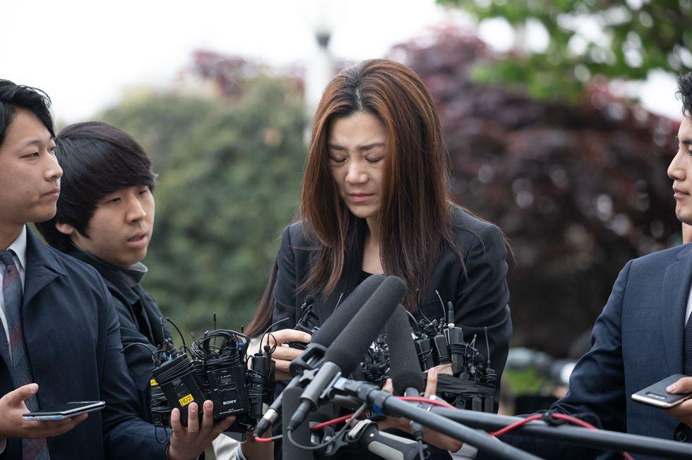 'Người thừa kế rắc rối' hãng Korean Air liên tục khóc lóc và xin lỗi trong buổi triệu tập của cảnh sát