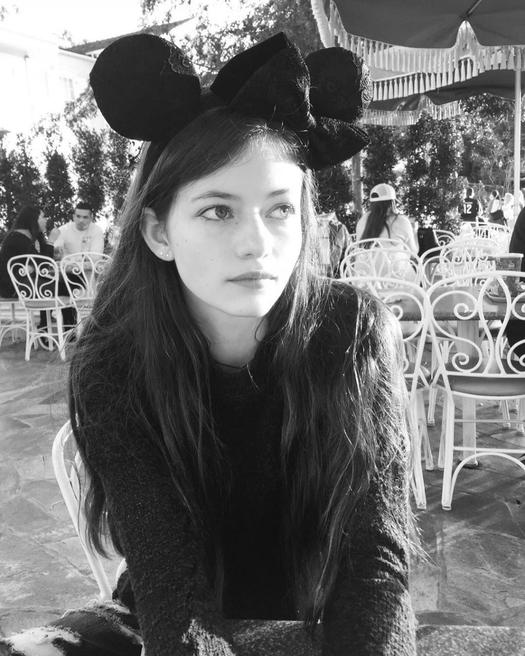 Mackenzie Foy: 7 năm từ sao nhí 'Twilight' đến 'nàng công chúa' được cả Hollywood cưng chiều