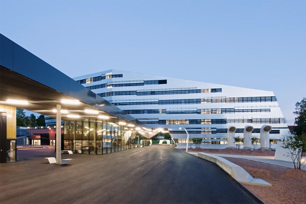 10 cơ sở nghiên cứu khoa học đẹp chẳng thua gì khách sạn 5 sao