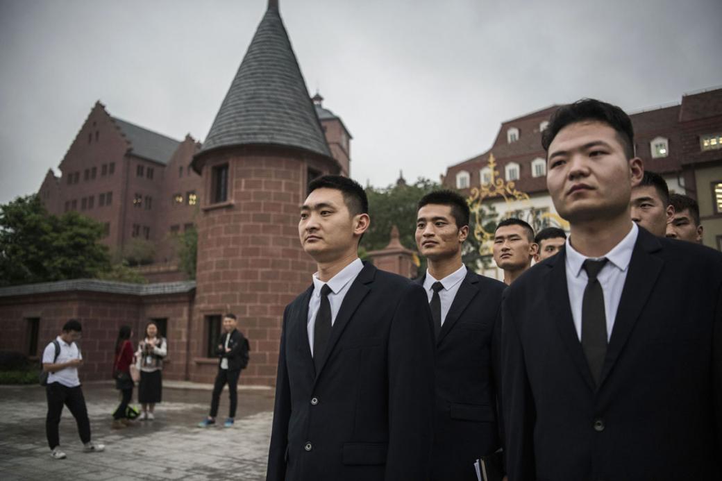 Trụ sở mới của Huawei là một Châu Âu thu nhỏ, nhân viên không biết đi làm hay nghỉ dưỡng