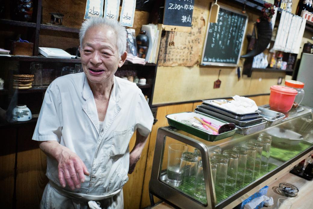 Những cửa hàng đặc biệt ở Tokyo được vận hành bởi những chủ nhân trăm tuổi