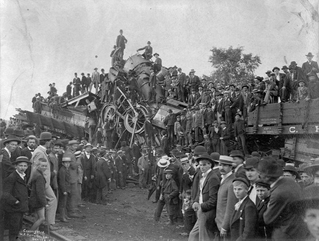Suốt 40 năm, tai nạn xe lửa là trò tiêu khiển yêu thích của người dân Mỹ