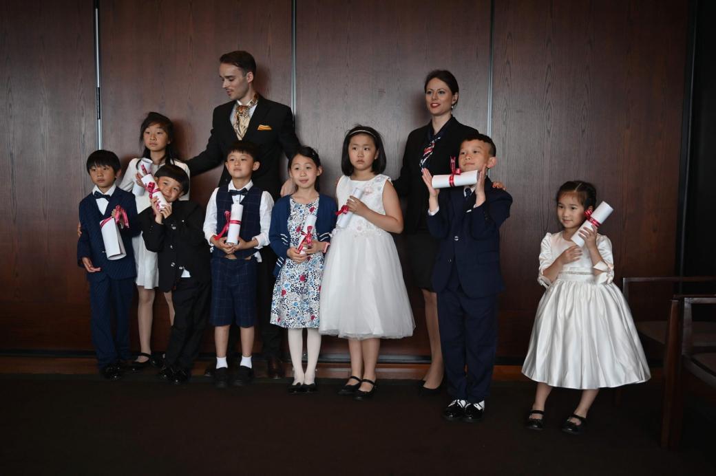 Giới nhà giàu Trung Quốc đua nhau cho con học cách sống như người phương Tây