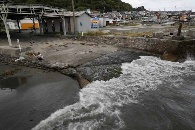 Ngành công nghiệp thịt cá voi từ đại dương đến bàn ăn ở Nhật Bản