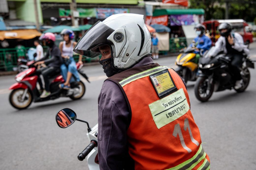 Cuộc chiến Xe ôm truyền thống vs. Xe ôm công nghệ: Máu đã đổ ở Bangkok