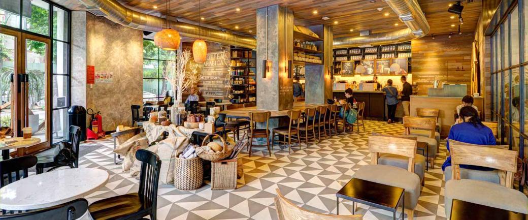Tranh cãi: Đã bỏ nhiều tiền uống Starbucks sao còn phải tự dọn ly?
