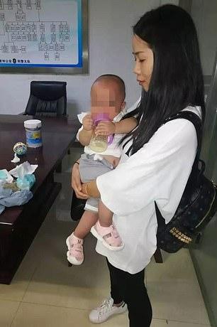 Người mẹ Trung Quốc bán hai đứa con sinh đôi để lấy tiền thanh toán hoá đơn thẻ tín dụng