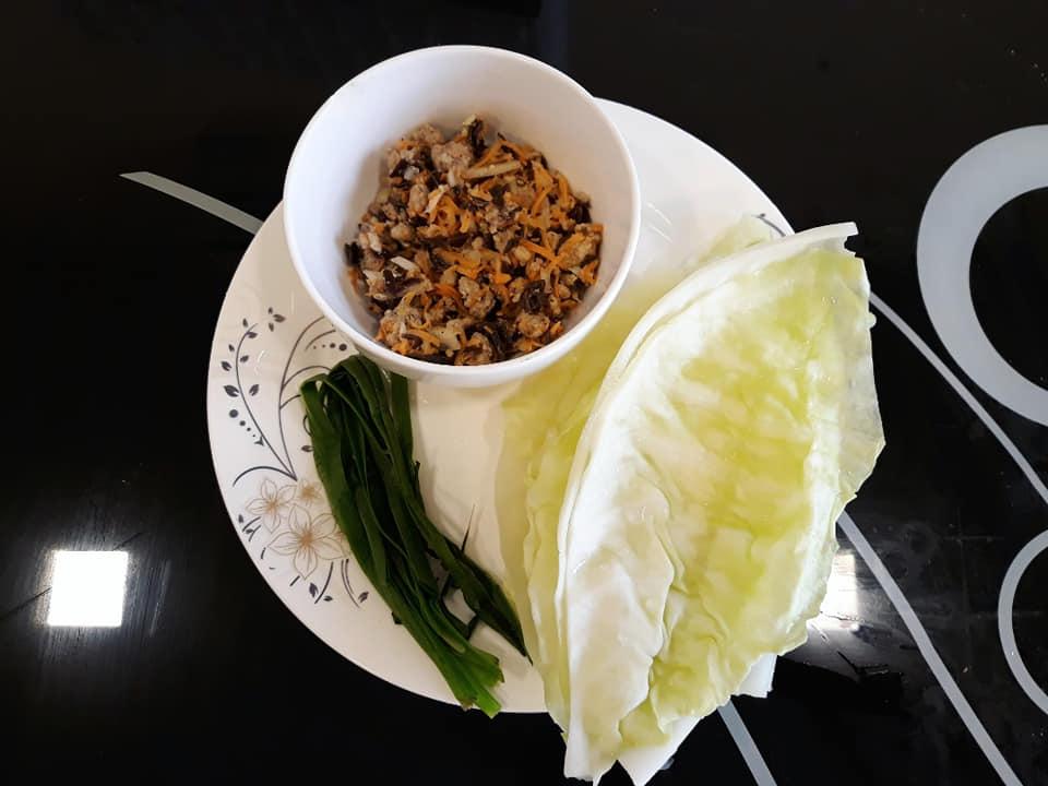 Nể IQ của vợ Việt ở Iraq: Làm bánh chưng bằng rau bina, lấy gạt tàn chế khuôn bánh Trung Thu