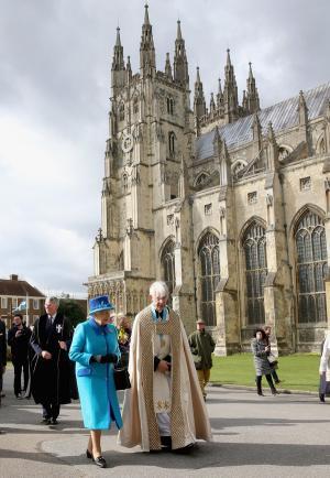 10 đặc quyền thú vị chỉ Nữ hoàng Anh mới có
