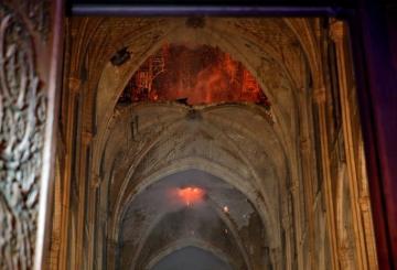 Vẫn còn hy vọng khôi phục Nhà thờ Đức Bà Paris sau thảm họa