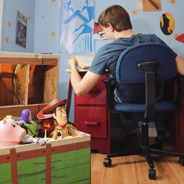 Anh em fan cứng 'Toy Story' dành 8 năm để mang các món đồ chơi ra ngoài đời thật