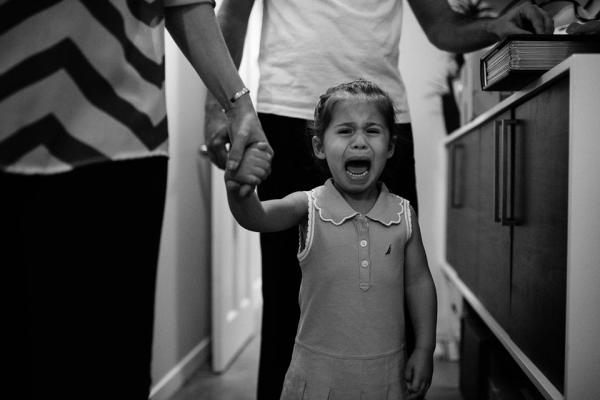 Trước 8 Giờ Sáng - Bộ ảnh 'thấu lòng' những gia đình có con nhỏ