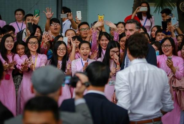 Thủ tướng Canada: 'Người gặp người thích, hoa gặp hoa nở'