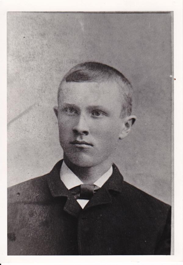 Carl Emil Pettersson - Anh thủy thủ 'số đỏ' nhất thế giới