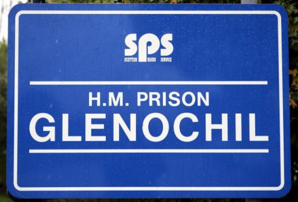 Tội phạm tình dục tại Scotland phải ăn cơm trộn với phân, nước tiểu và mảnh kim loại