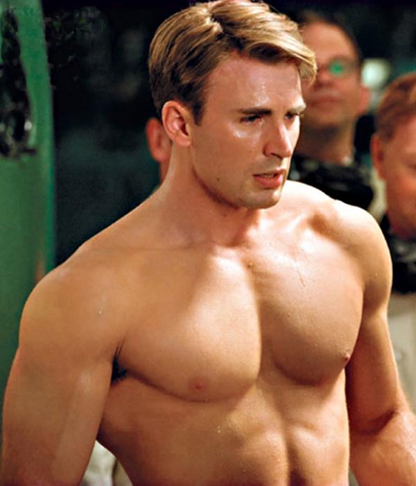 Lần đầu tiên Captain America để râu trên phim và cả rạp như 'nổ tung' khi anh ấy xuất hiện
