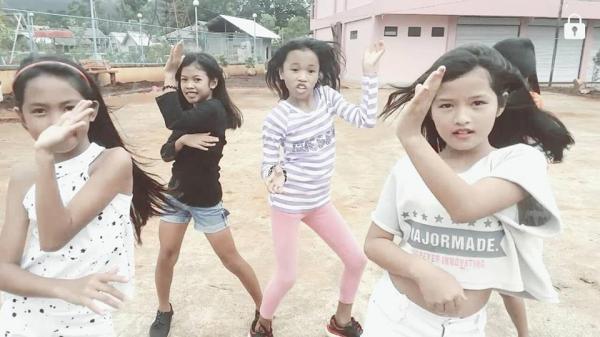 Nhóm nhảy 'siêu nhí' Philippines bất ngờ trở thành hiện tượng ở Việt Nam