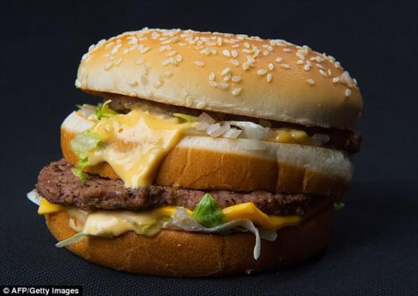 Người đàn ông nghiện nặng bánh Big Mac nhưng vẫn có chỉ số cholesterol hoàn hảo
