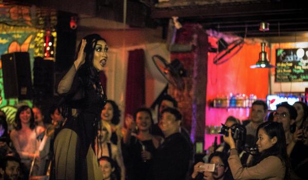 Xem các Drag Queens quậy tung cuộc sống về đêm ở Hà Nội như thế nào?