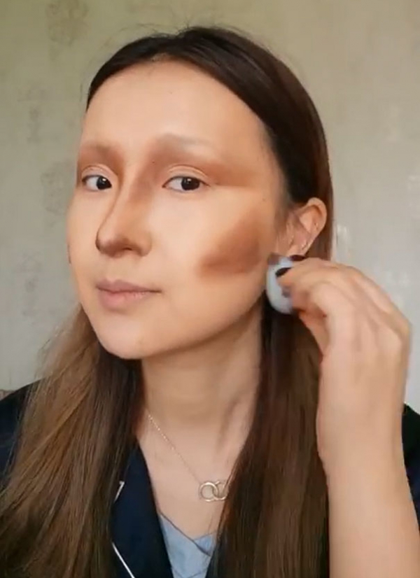 Nhận lời thách thức từ cộng đồng mạng, nữ blogger tự tin hoá thân thành Mona Lisa