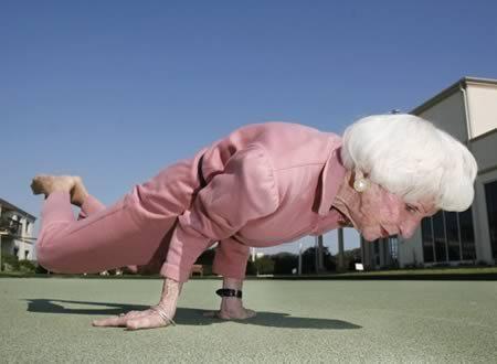8 cụ bà 'xì tin' là minh chứng cho câu 'gừng càng già càng cay'