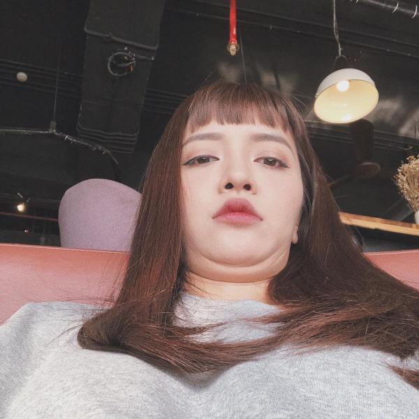 Bích Phương và 15 khoảnh khắc 'siêu cấp lầy lội' trên Instagram: 'Yêu hay không yêu, nói một lời đi'?