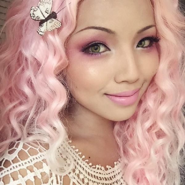 Chị dâu Michelle Phan và những màn makeup thành nhân vật hoạt hình giống hệt như thật