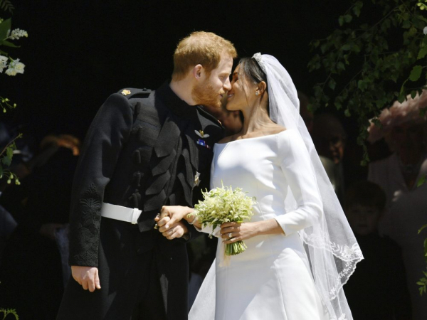 'Người cũ' của Hoàng tử Harry và Công nương Meghan làm gì trong thời gian diễn ra lễ cưới?