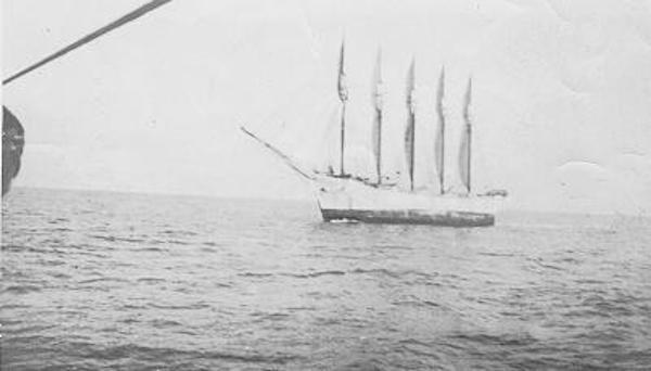 Những con tàu ma nổi tiếng thế giới hay là câu chuyện về tam giác quỷ và người ngoài hành tinh