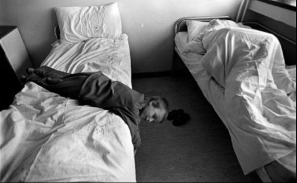 Hình ảnh hiếm hoi về những đứa trẻ tại bệnh viện tâm thần 75 năm trước (P.1)