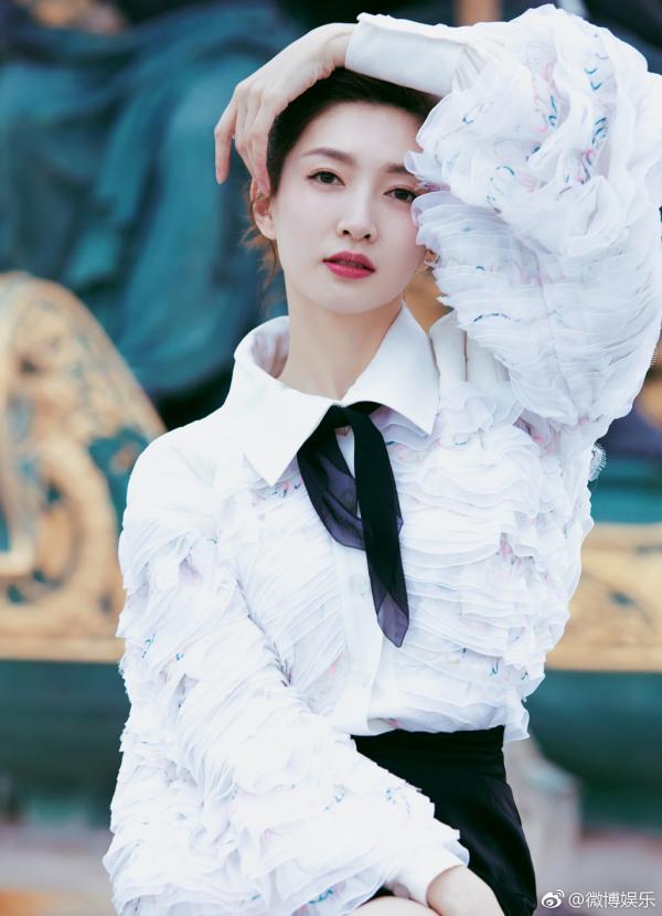 Ba mỹ nhân Hoa ngữ thống trị BXH 'Chỉ cần tôi nói, thiên hạ sẽ mua', ai mới là 'Nữ hoàng'?